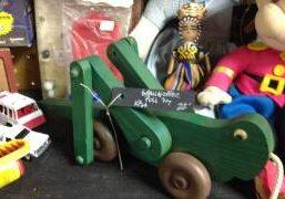 toy-grasshoopper-2-1
